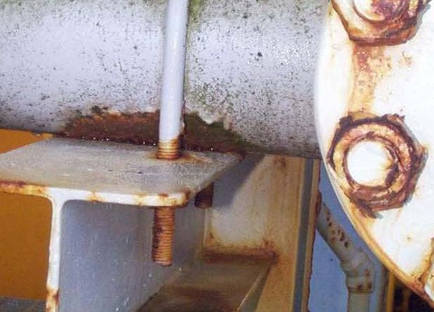 Crevice Corrosion under Pipe